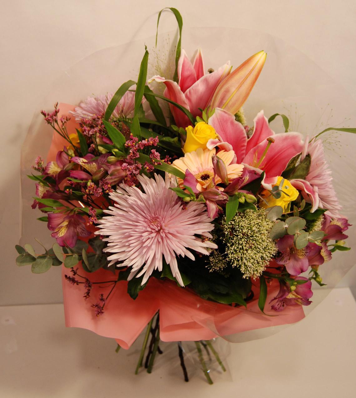 Ramo variado tonos rosas, malvas y amarillos