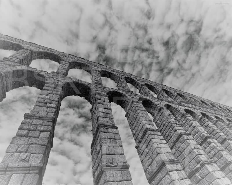 Cuadro en lienzo acueducto de Segovia blanco y negro