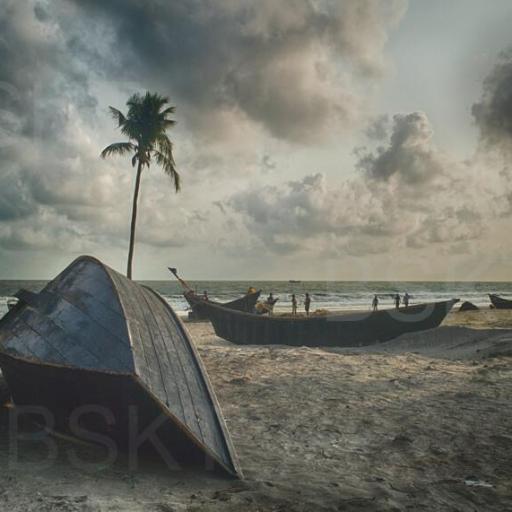 Cuadro en lienzo botes varados en la orilla
