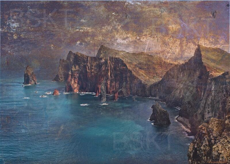 Cuadro en lienzo isla de madeira acantilado