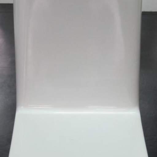Consola cuadrada con asiento sin puerta
