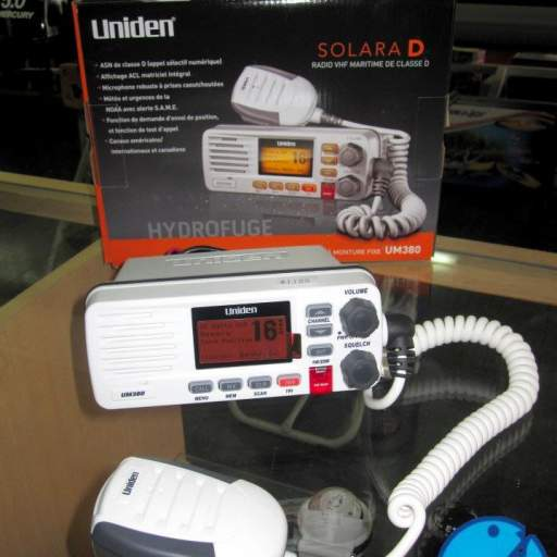 RADIO VHF UNIDEN SOLARA 25 WATS [1]