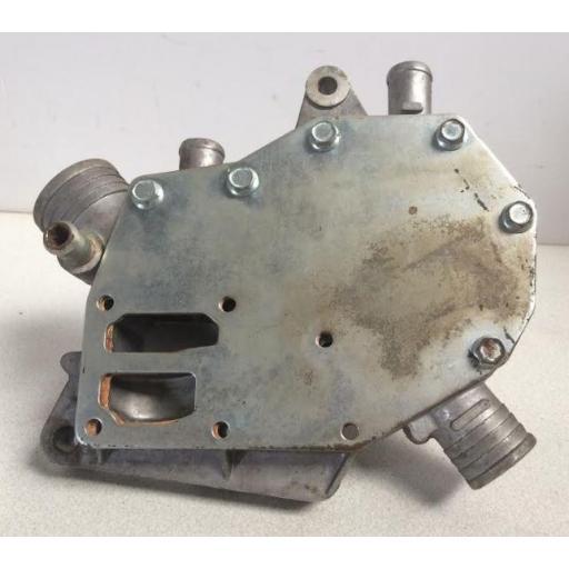 Bomba de agua Renault R-5 [2]