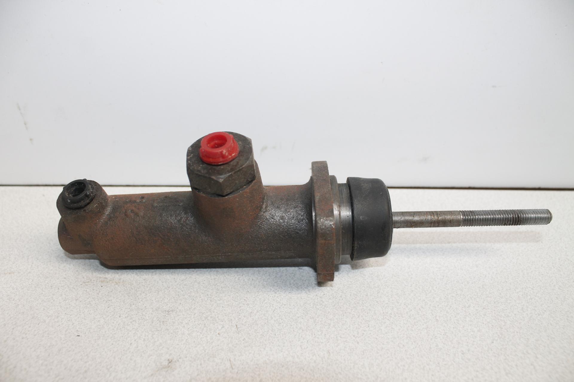 Bomba de freno EBRO F100 y F108
