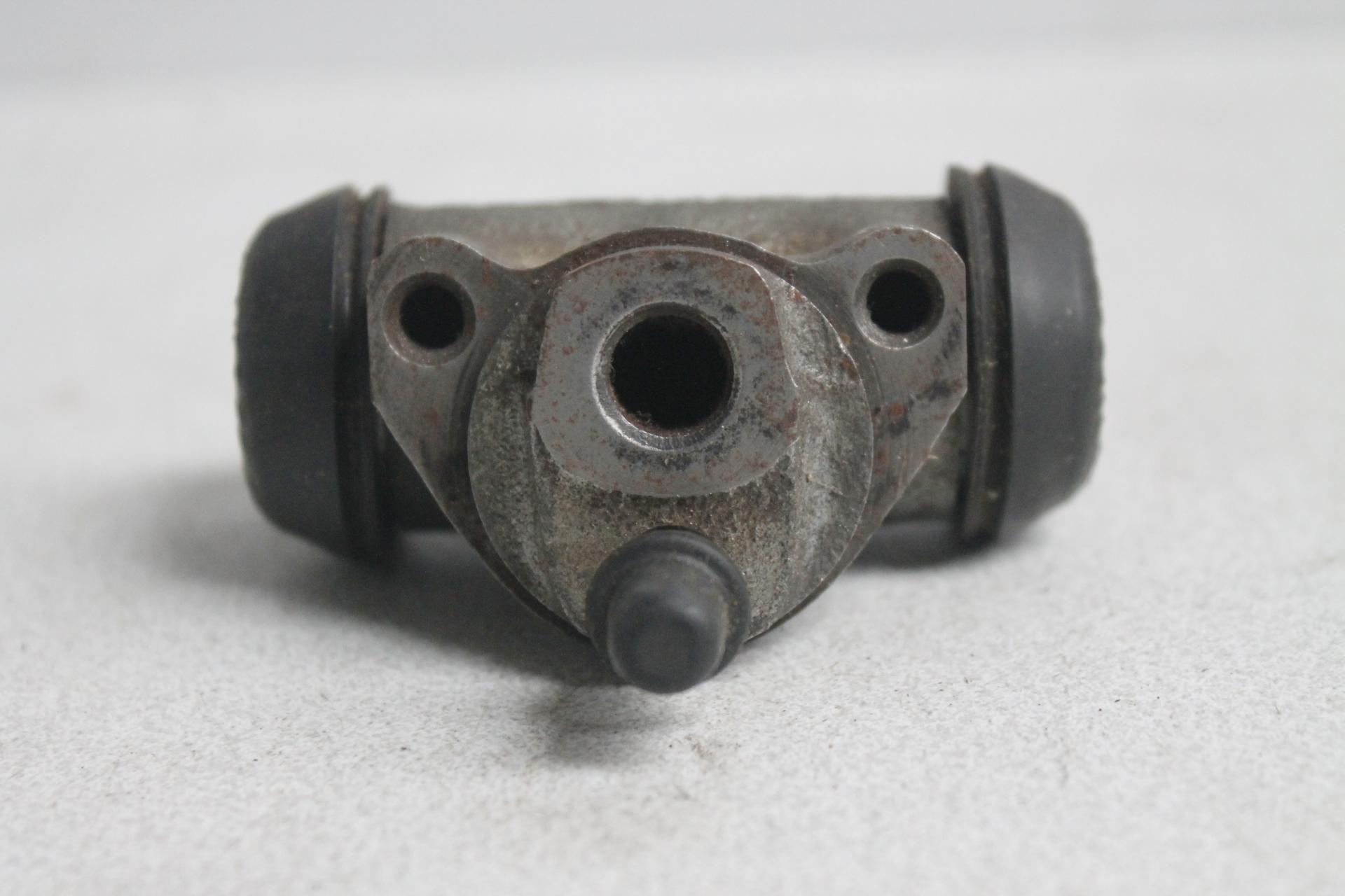 Cilindro de freno trasero Renault 4L y 6