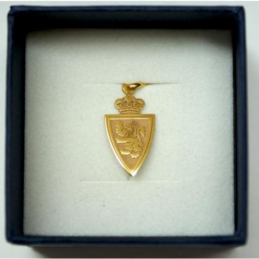 Colgante escudo oro