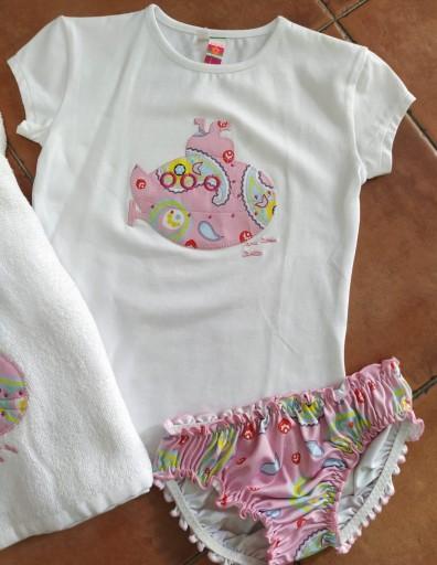 Conjunto bañador submarino rosa y toalla [1]