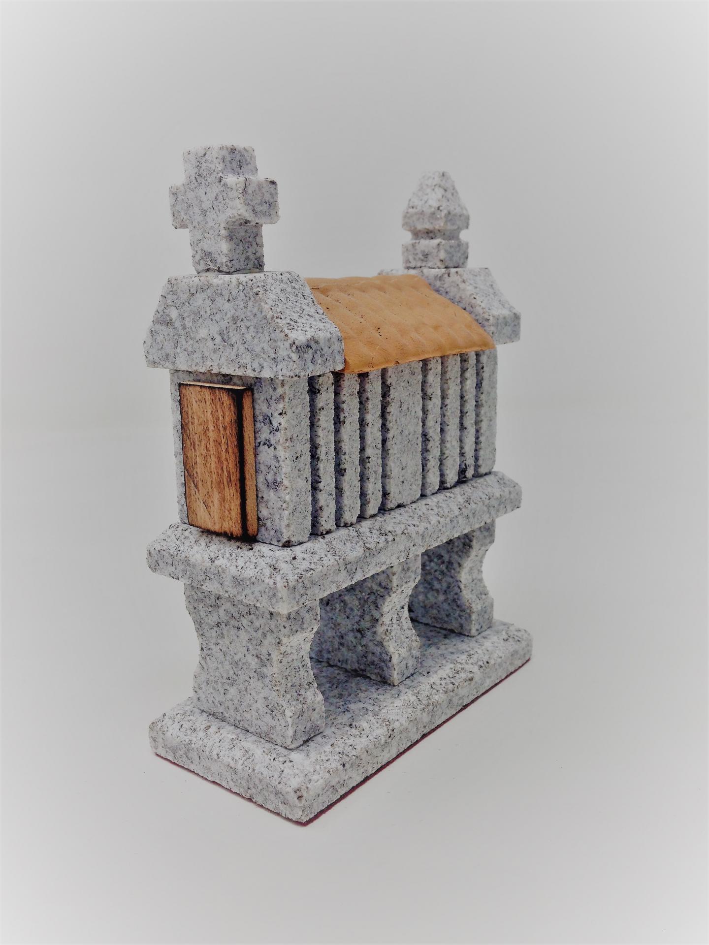 Hórreo de granito miniatura (3 pies)