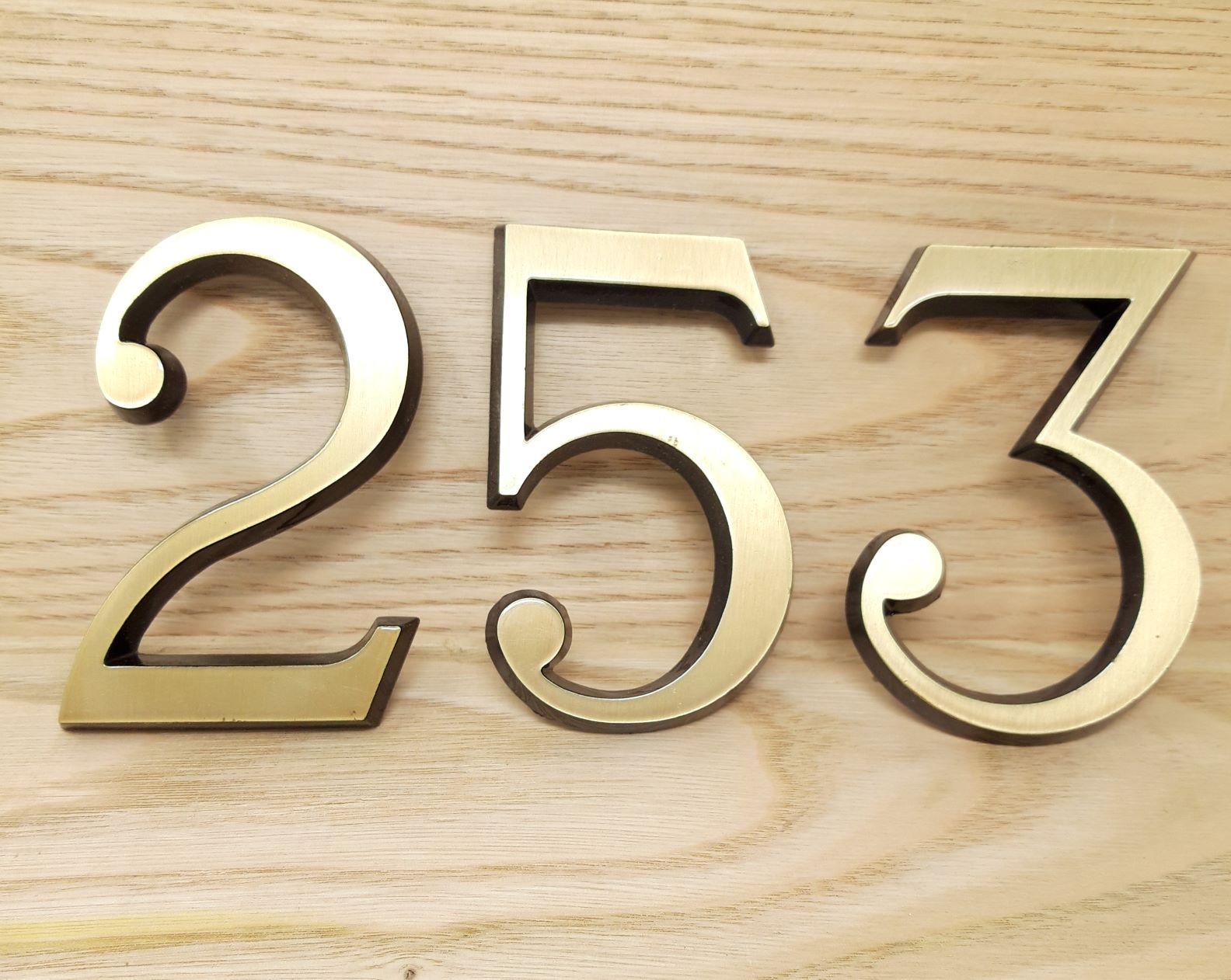Números latón 8 cm 1.jpg