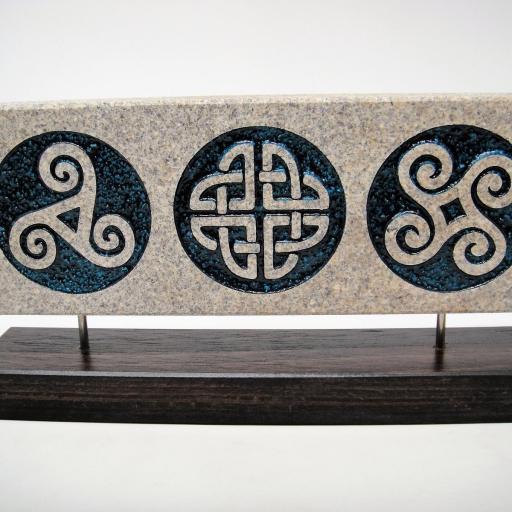 Peana piedra celta triple  [1]