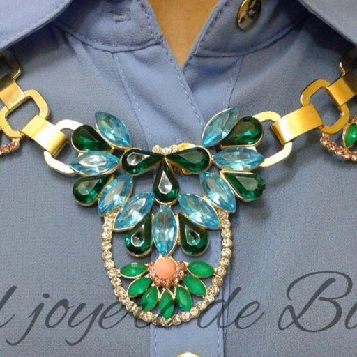 Collar blue gold