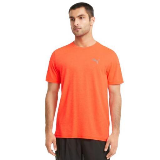 PUMA Run Fav SS Tee. Lava blast-black. Camiseta Hombre. 520208 84.
