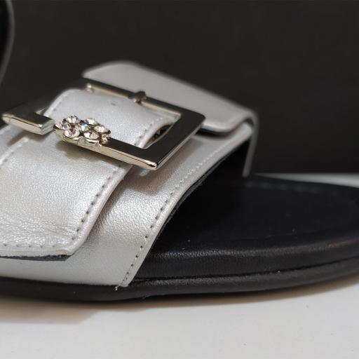 Sandalia hebillas tacón plata [3]