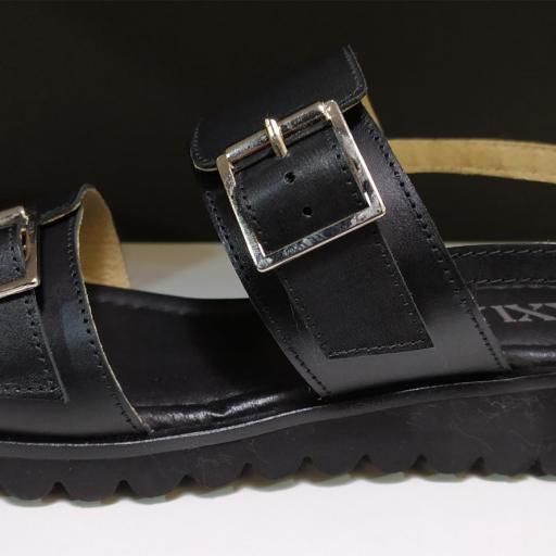 Sandalia hebillas negra [1]