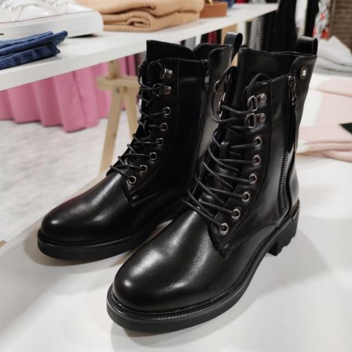 Botas Negras [3]