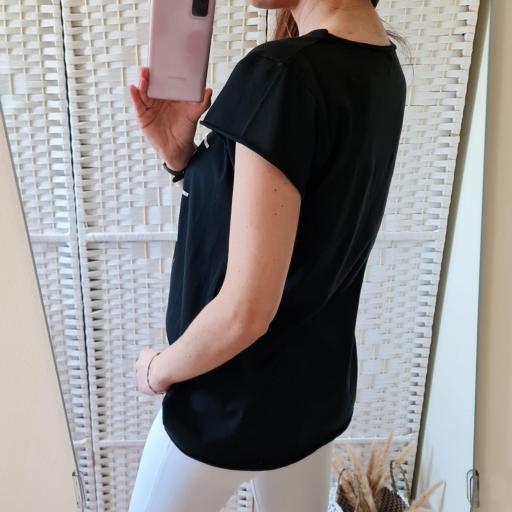 Camiseta 3 en Raya Negra [3]
