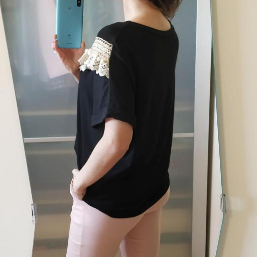 Camiseta Negra Borlas [2]