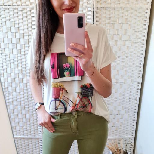 Camiseta Ventana Flores