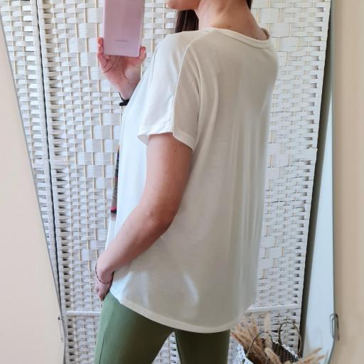 Camiseta Ventana Flores [2]