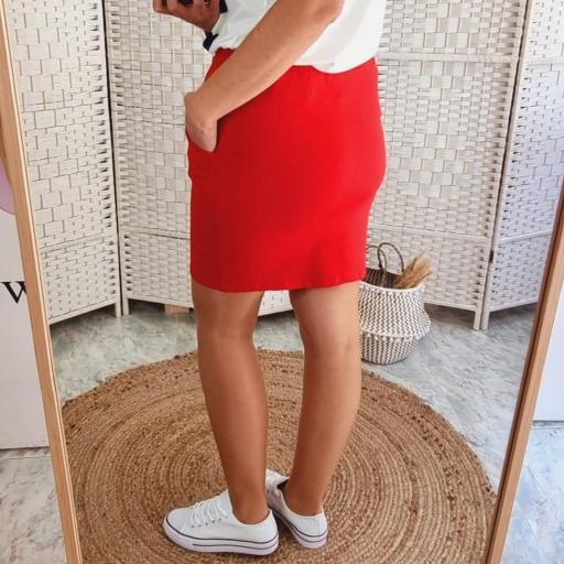 Falda Corta Roja [1]