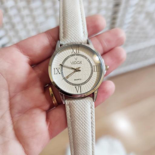 Reloj Beige [2]