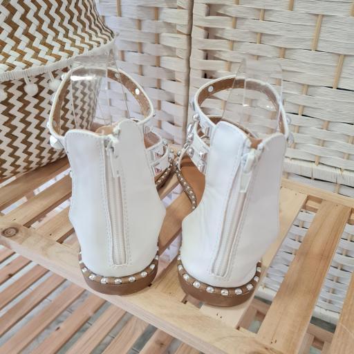 Sandalias Blancas Tachas [2]
