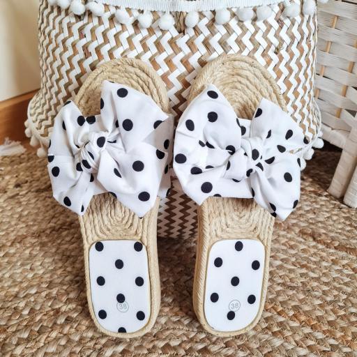 Sandalias Blancas Topos