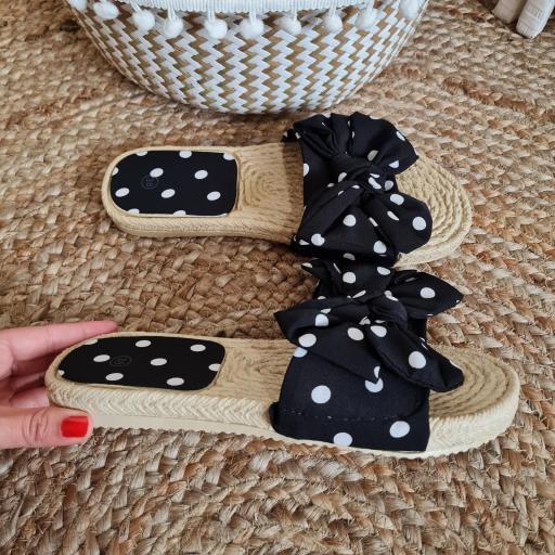 Sandalias Negras Topos [1]