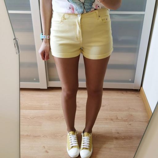 Short Amarillos [2]