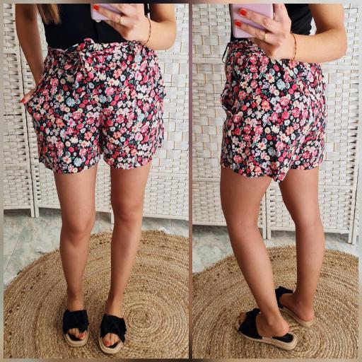 Short Flores Rosas