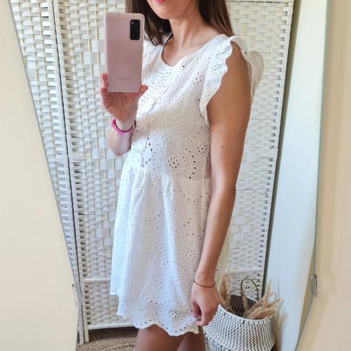 Vestido Blanco Perforado [3]