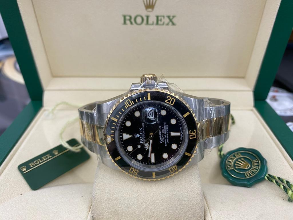 Rolex submariner date Cerámica  acero oro dial y Esfera Negra   116613LN 2013 .