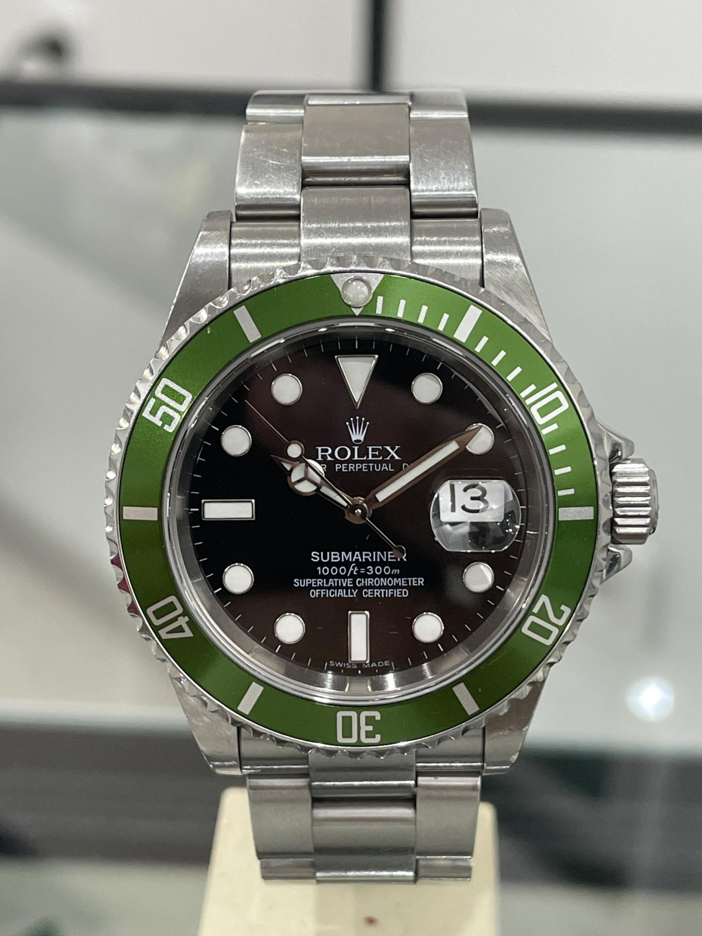 "Rolex Submariner LV ""Kermit"", Z series, NOT engraved, paper warranty Kermit Ref 16610Lv serial Z año 2006."
