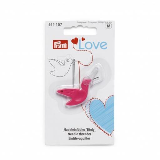 Enhebrador y cortahilos Prym Love Birdy Pink