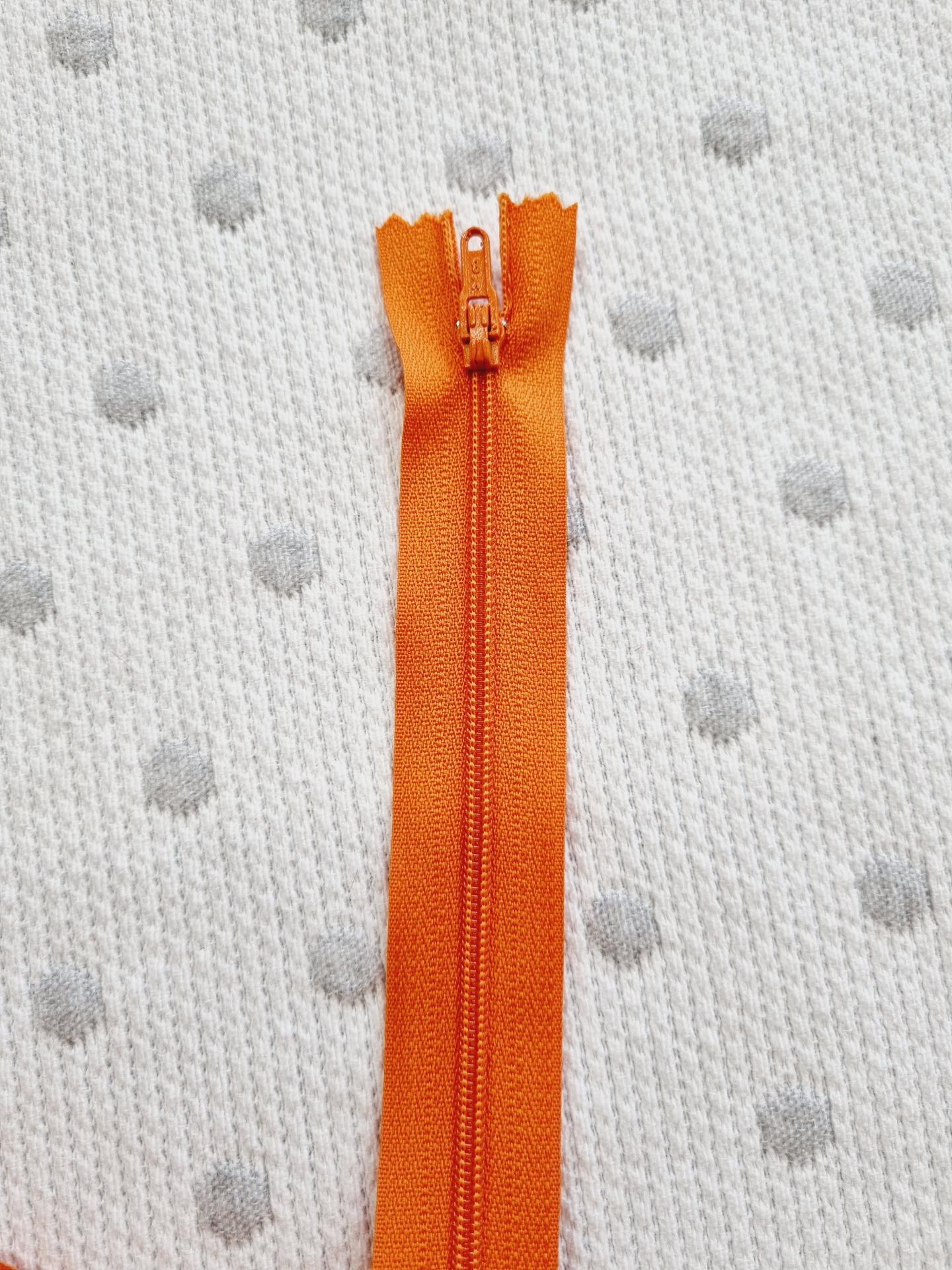 Cremallera Cerrada Naranja 540