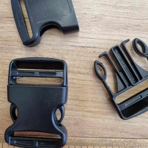 Cierres de plastico negros 40mm