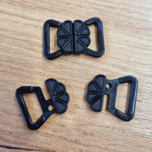 Broche plástico negro 14mm