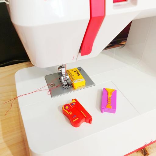 Guia imantada para coser recto