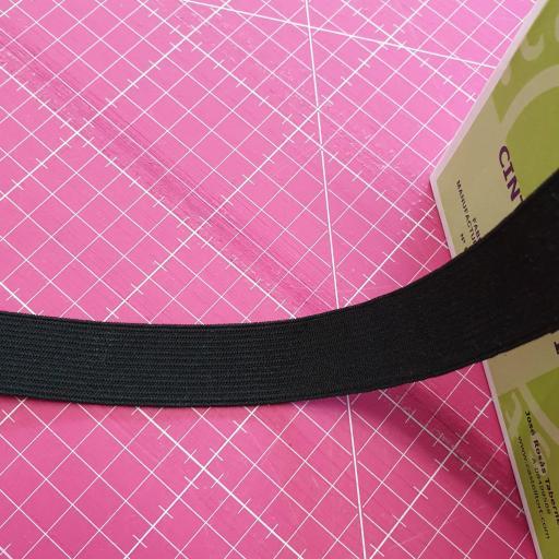 Goma Plana Suave 25mm negra