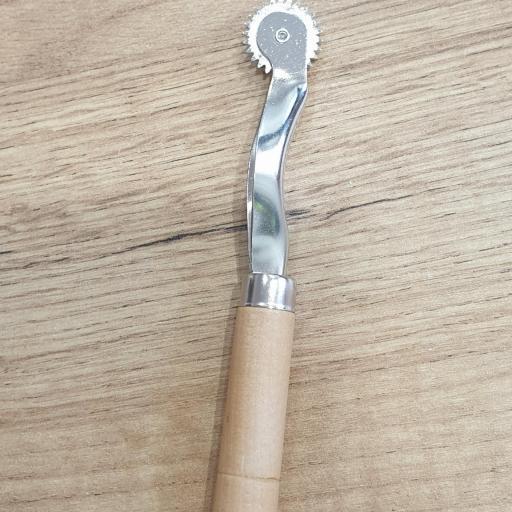 Ruleta de marcar dentada [1]