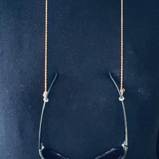 Cuelga gafas y mascarilla cadena rosada- dorada [1]