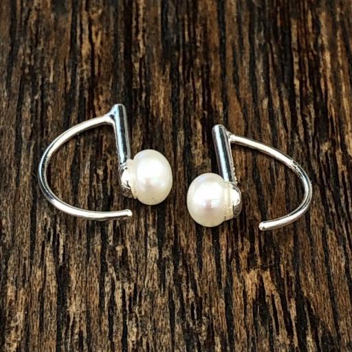 Pendientes geométricos de plata con perla [3]