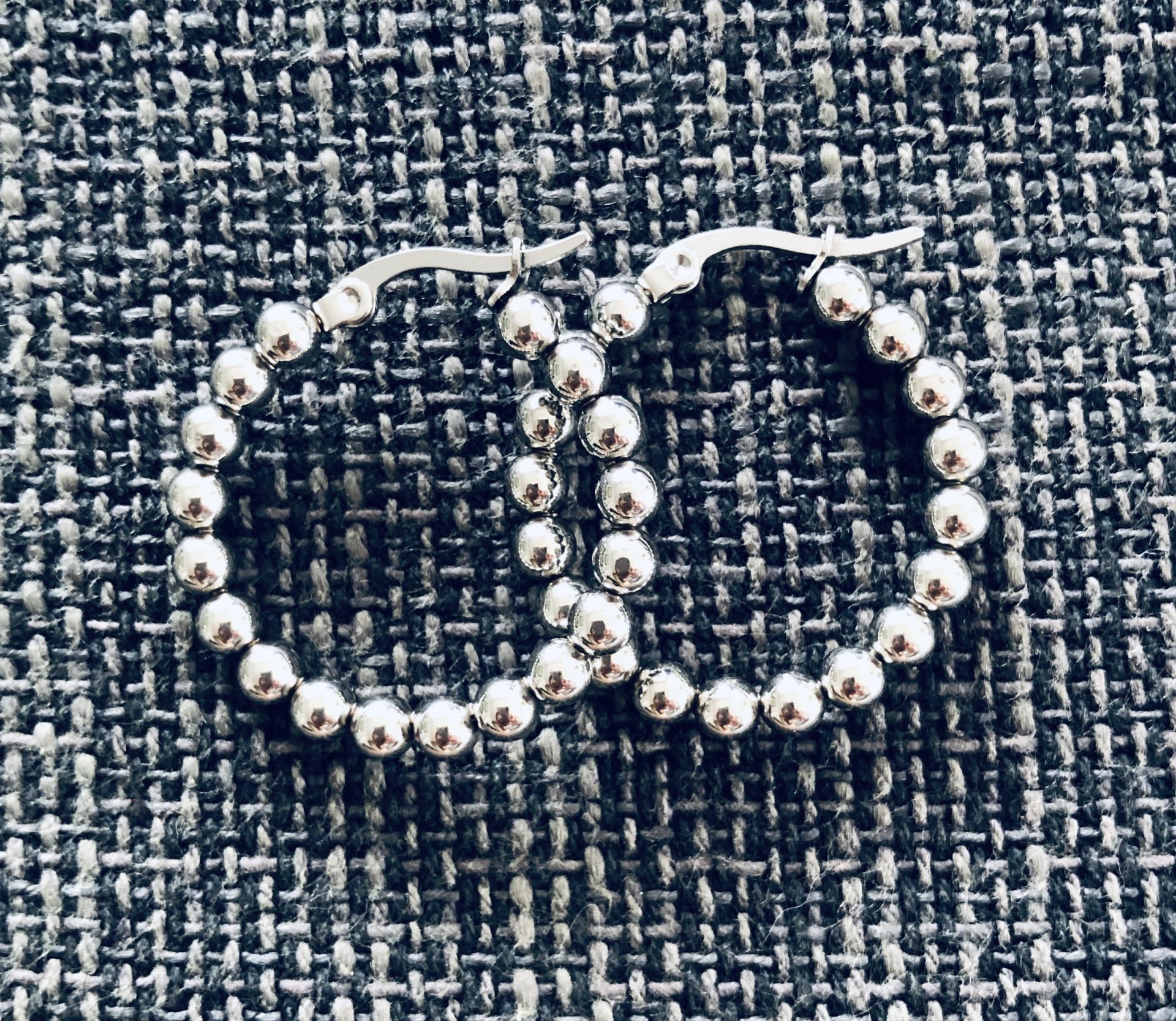 Aros de bolas plateadas 24 mm