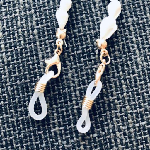 Cordón para gafas con caracolas color crudo [1]