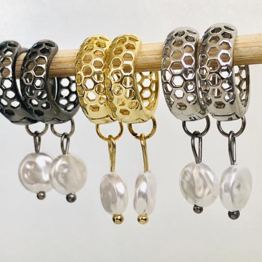 Pendientes criollas negros metalizados y calados con perla [3]