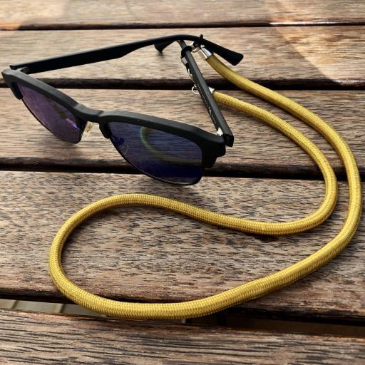 Cordón cuelga mascarillas o gafas color mostaza [2]