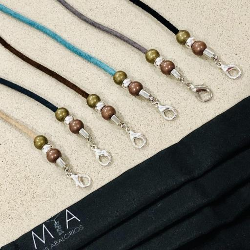 Cordón  cuelga mascarillas / gafas  en color turquesa con bolas  [3]