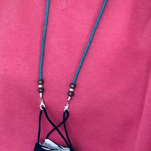 Cordón  cuelga mascarillas / gafas  en color turquesa con bolas  [2]