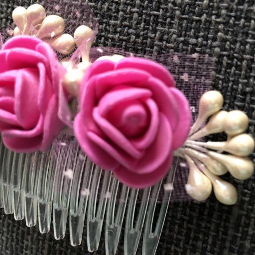 Peineta con flores color rosa [1]