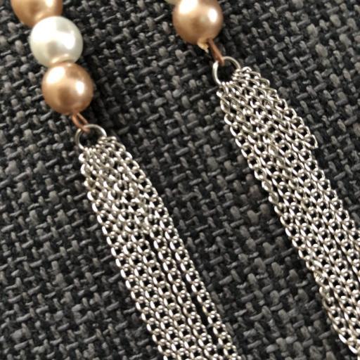 Pendientes con perlas de cristal blancas y cobre [1]